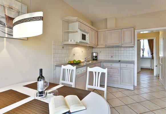 3 Zimmer-Ferienwohnung Blum Sylt offener Küchenbereich